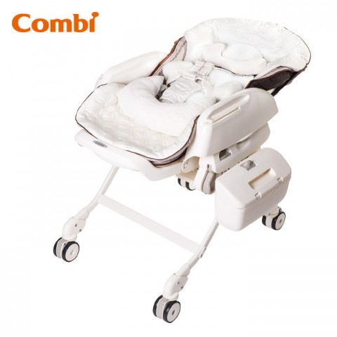 Combi: (安撫餐搖椅) Fealetto Auto Swing / WM